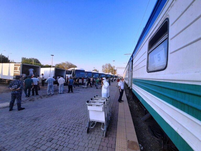 Поезда с гражданами Узбекистана планируют отправлять из России еженедельно