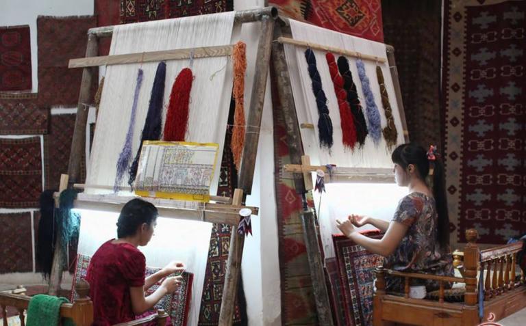 Экспорт ковров снизился на 16%