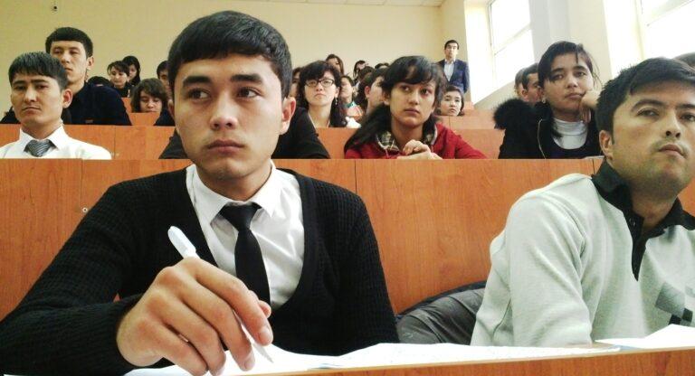 ЮНИСЕФ: «Из-за затрат на образование узбекские студенты испытывают стресс и чувство безысходности»